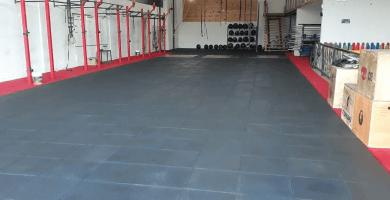 suelo goma y caucho para gimnasio de crossfit